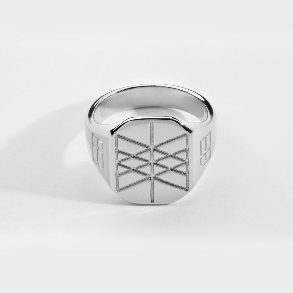 Web of Wyrd Signature ring - Sølvtonet